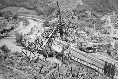 12.06.1961 Uno dei tralicci dell'alta tensione abbattuti a Cardano