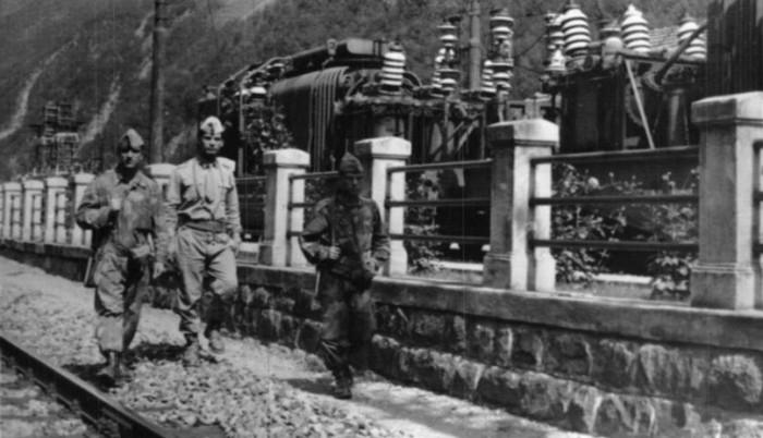 Si pattugliano i punti sensibili come ferrovie e centrali elettriche